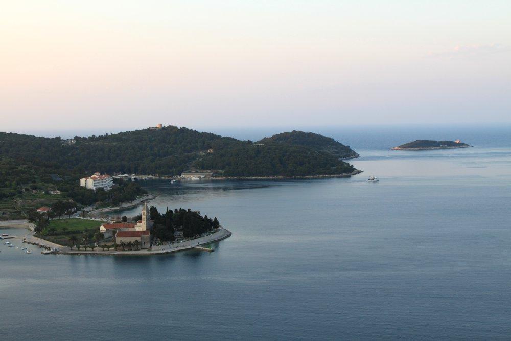 Vis_vis_view_croatia_dalmatian_coast